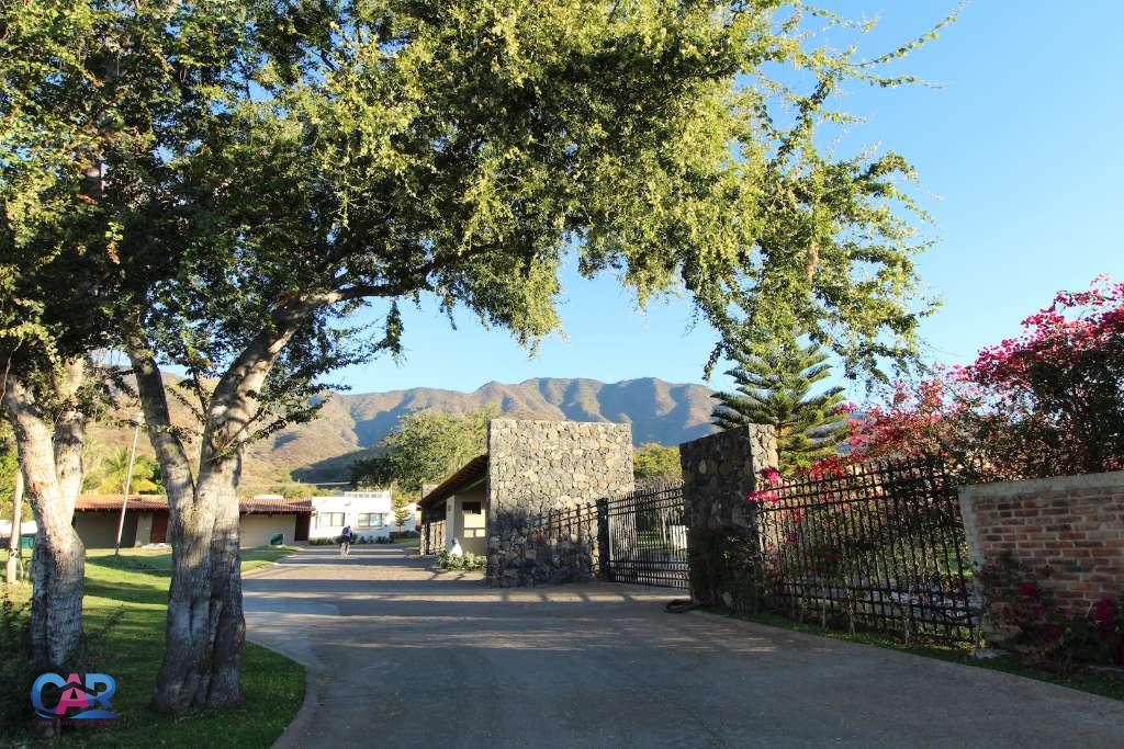Comon Area View LR West Entrance