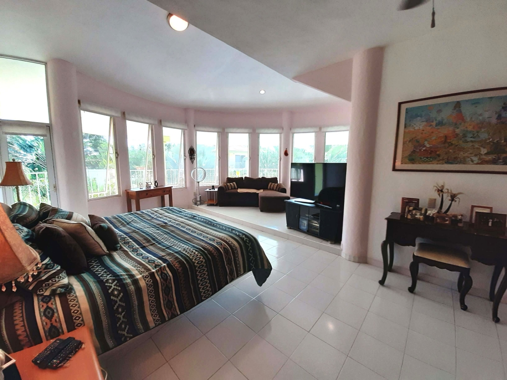 Master Bedroom, bonus area with office space